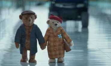 Adbreakanthems Heathrow Airport – Coming Home For Christmas tv advert ad music